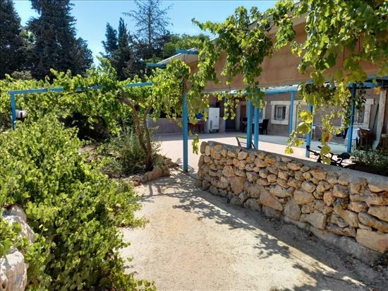 יחידת דיור להשכרה 2 חדרים במושב נס הרים  מרווה מושב נס הרים