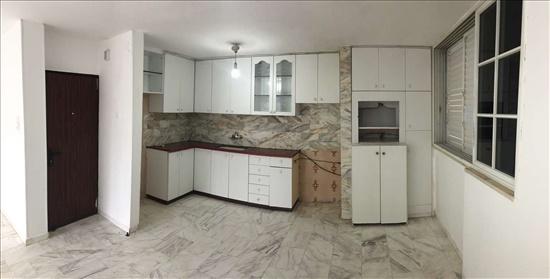 דירה להשכרה 3 חדרים ביהוד  בן צבי