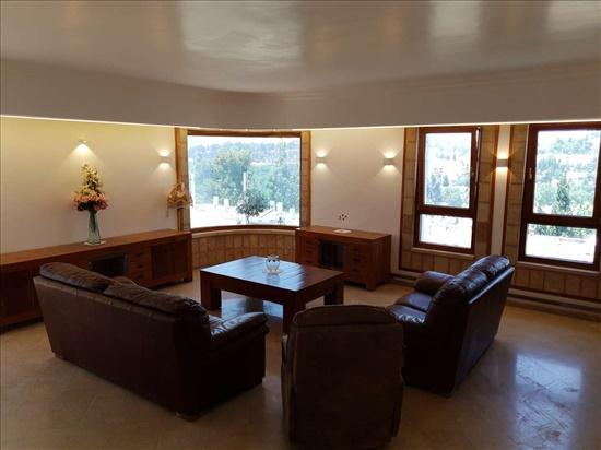פנטהאוז להשכרה 5 חדרים בירושלים טשרניחובסקי 49 קטמון הישנה