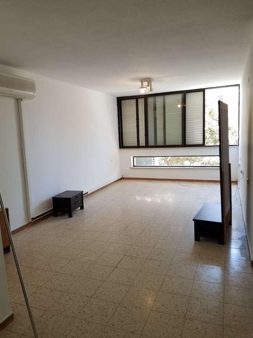 דירה, 4 חדרים, הרב עוזיאל, פתח ת...