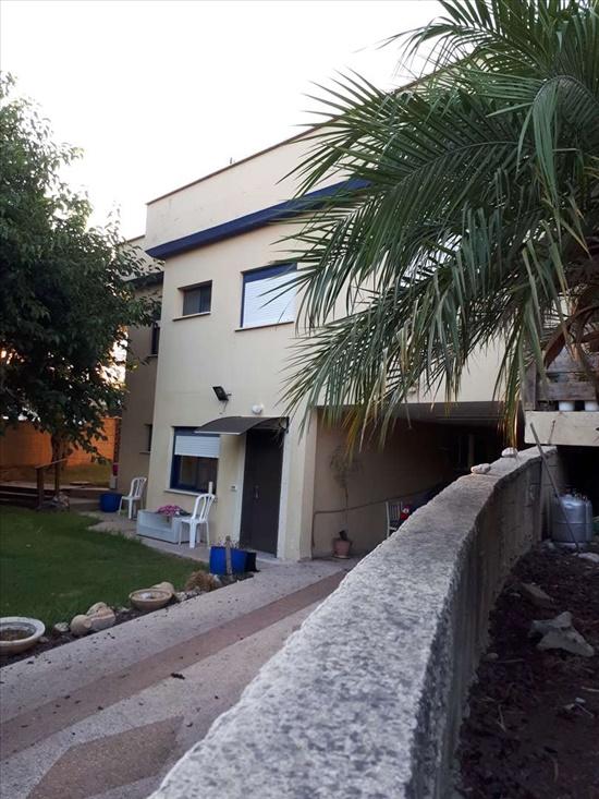 בית פרטי להשכרה 5 חדרים במעונה הברוש