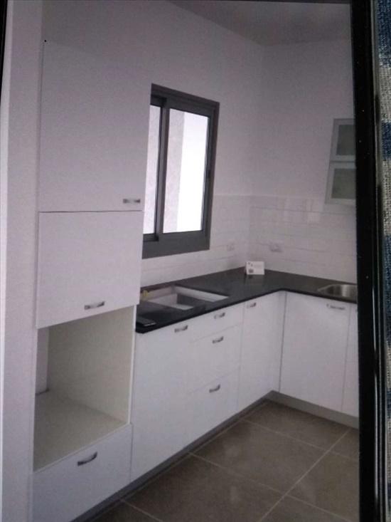 דירה להשכרה 4.5 חדרים בפתח תקווה מיכל לייב כץ כפר גנים ב