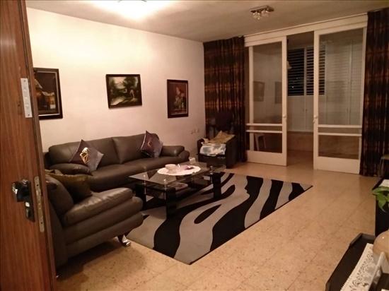 דירה להשכרה 1 חדרים ברמת גן נורדאו