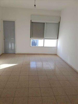 דירה להשכרה 4 חדרים בחדרה ביאליק