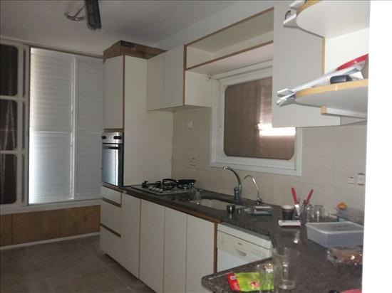 דירה להשכרה 4 חדרים בבת ים ביאליק רח ביאליק