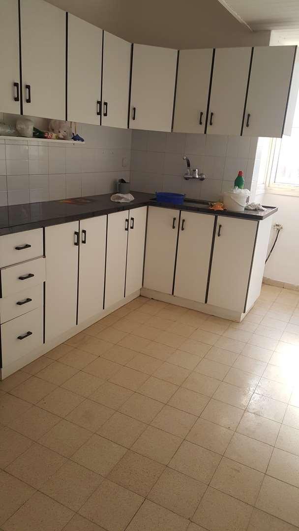 דירה להשכרה 3 חדרים בחדרה הרצל סמטת אביאל