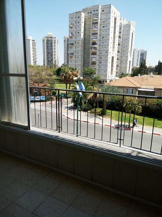 דירה להשכרה 3.5 חדרים ברמת גן חיים לנדאו מרום נווה