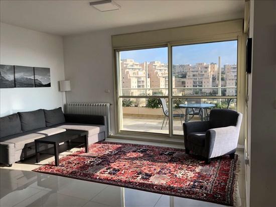 דירה להשכרה 5.5 חדרים בירושלים קורץ