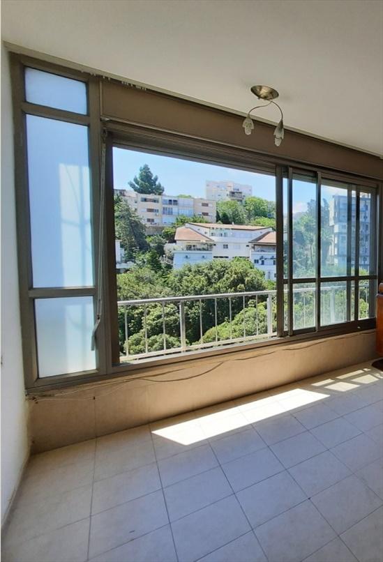 דירה להשכרה 4 חדרים בחיפה הראל רוממה הישנה