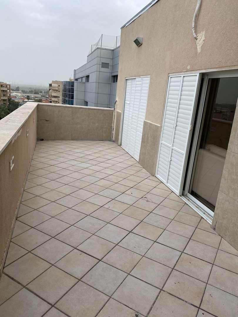 תמונה 4 ,דירת גג 3 חדרים רמב''ם מרכז העיר חדרה