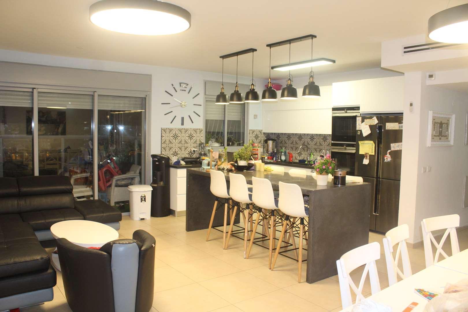 דירה להשכרה 5 חדרים ברחובות פרופ' אפרים קציר 3 שכונת המדע