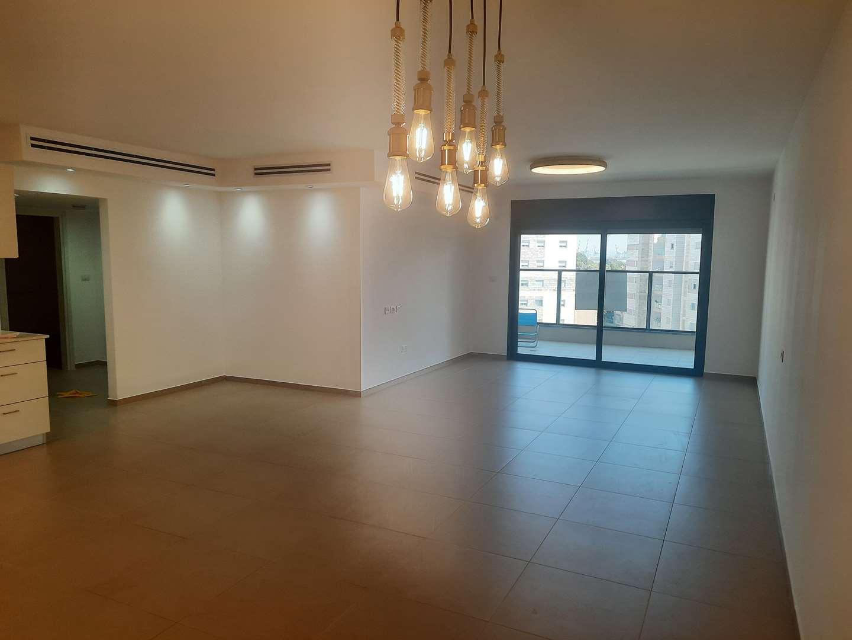 דירה, 4 חדרים, אברהם לייסין, חיפה
