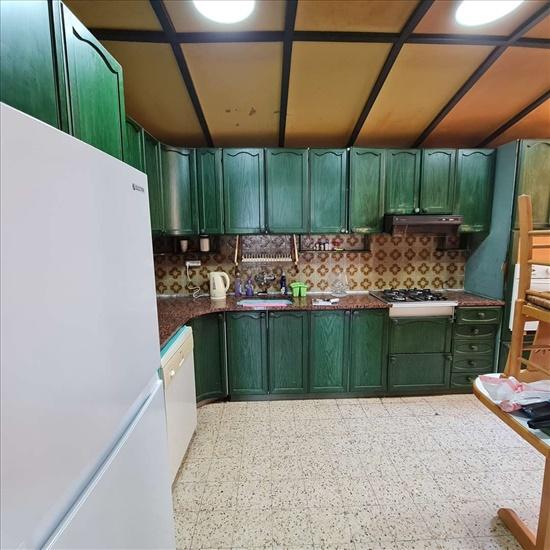 דירה להשכרה 4 חדרים ברמת גן הירדן נווה יהושע
