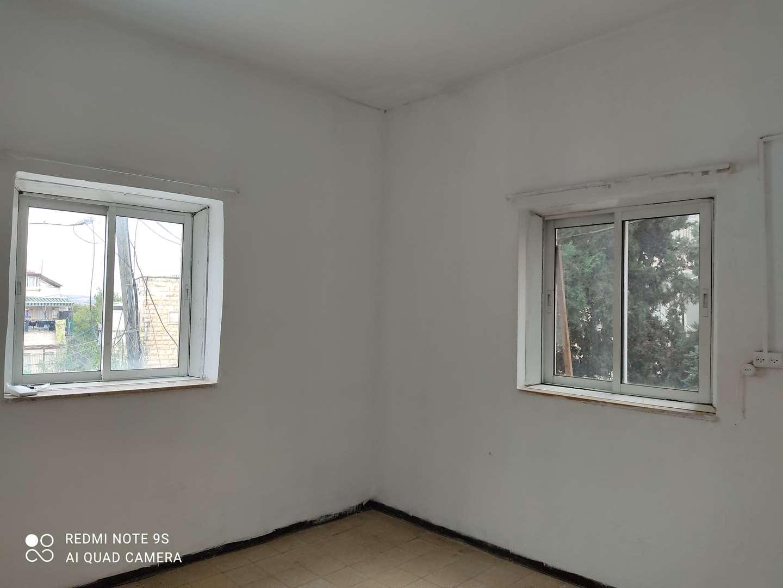 דירה להשכרה 1 חדרים בירושלים משה בלוי סנהדריה