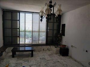 דירה להשכרה 4 חדרים במהוליבר מרכז העיר
