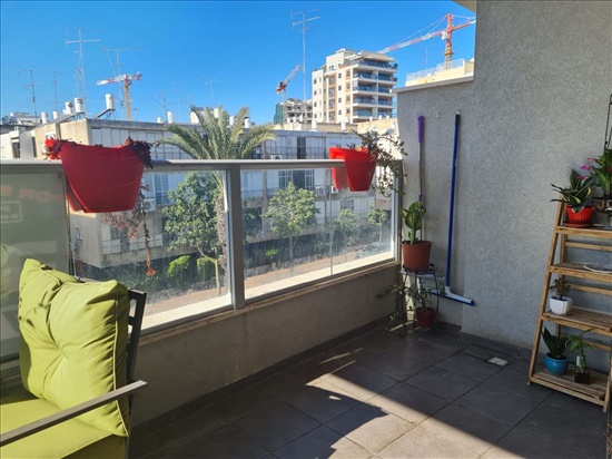 דירה להשכרה 4 חדרים ברמת גן הירדן 59 שיכון המזרחי