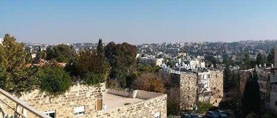 דירה להשכרה 5 חדרים בירושלים החי''ם קטמון הישנה