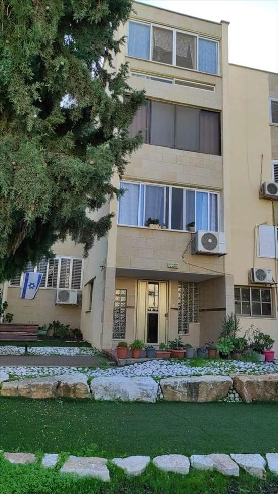 דירה להשכרה 3 חדרים במגדל העמק תשיג פנחס ספיר