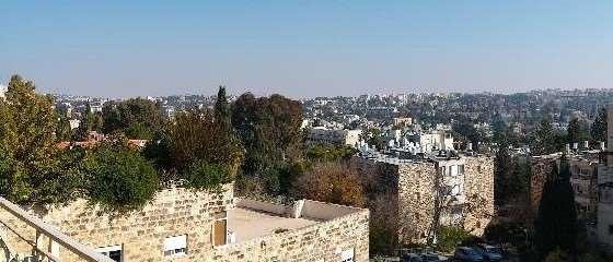 דירה להשכרה 5 חדרים בירושלים החי''ם
