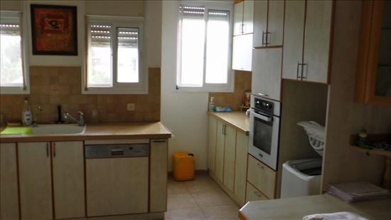 דירה להשכרה 4 חדרים בנהריה בלפור העיר