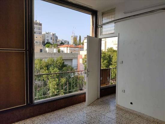 דירה להשכרה 4.5 חדרים במרכז הרא