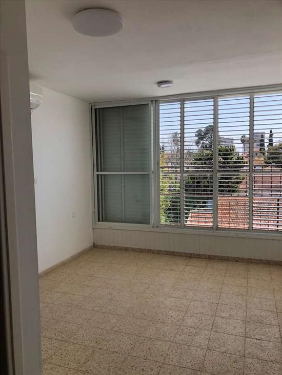 דירה להשכרה 4 חדרים ברחובות השומרים אבני חן