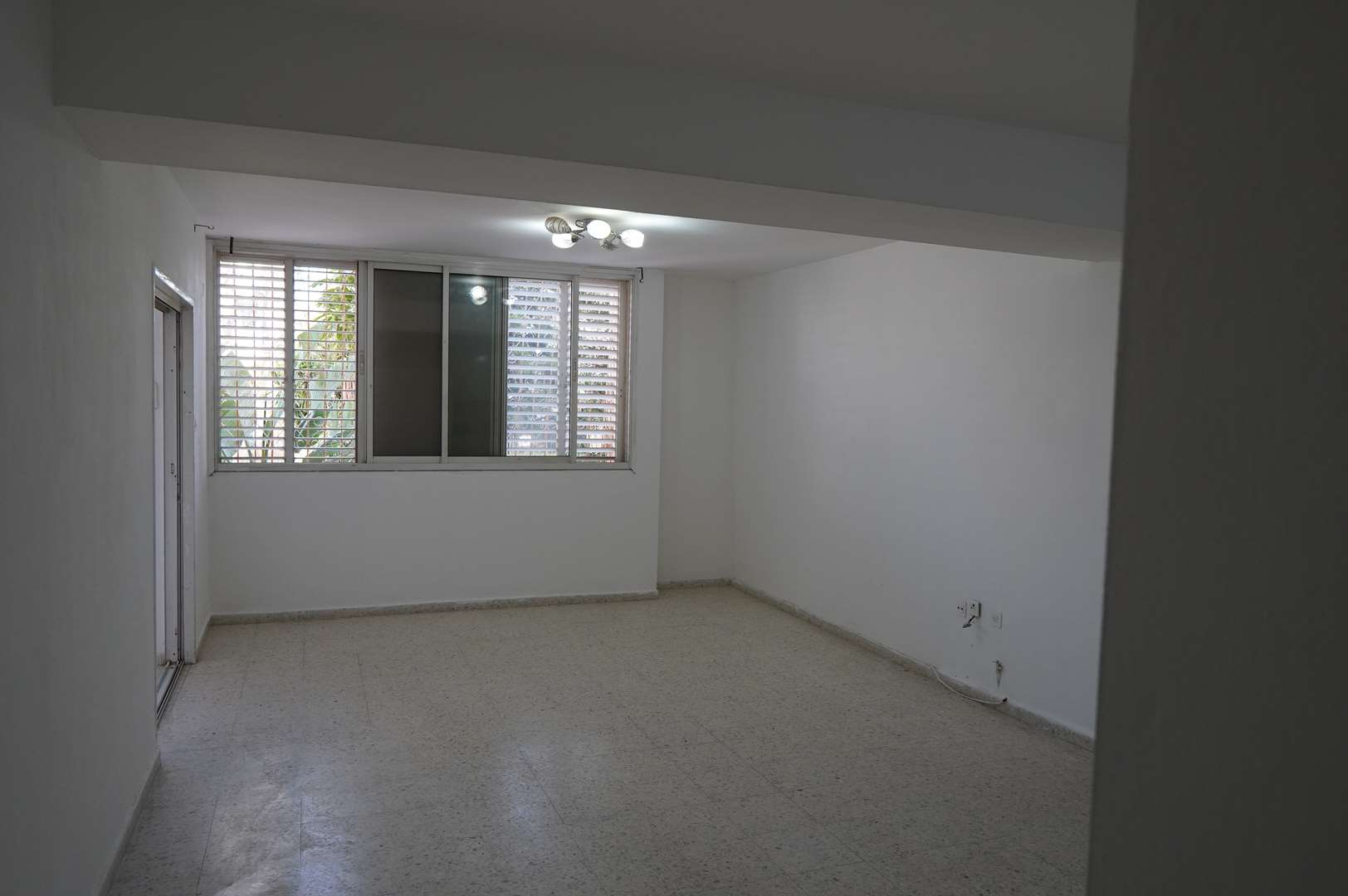 דירה להשכרה 5 חדרים בבאר שבע עין גדי