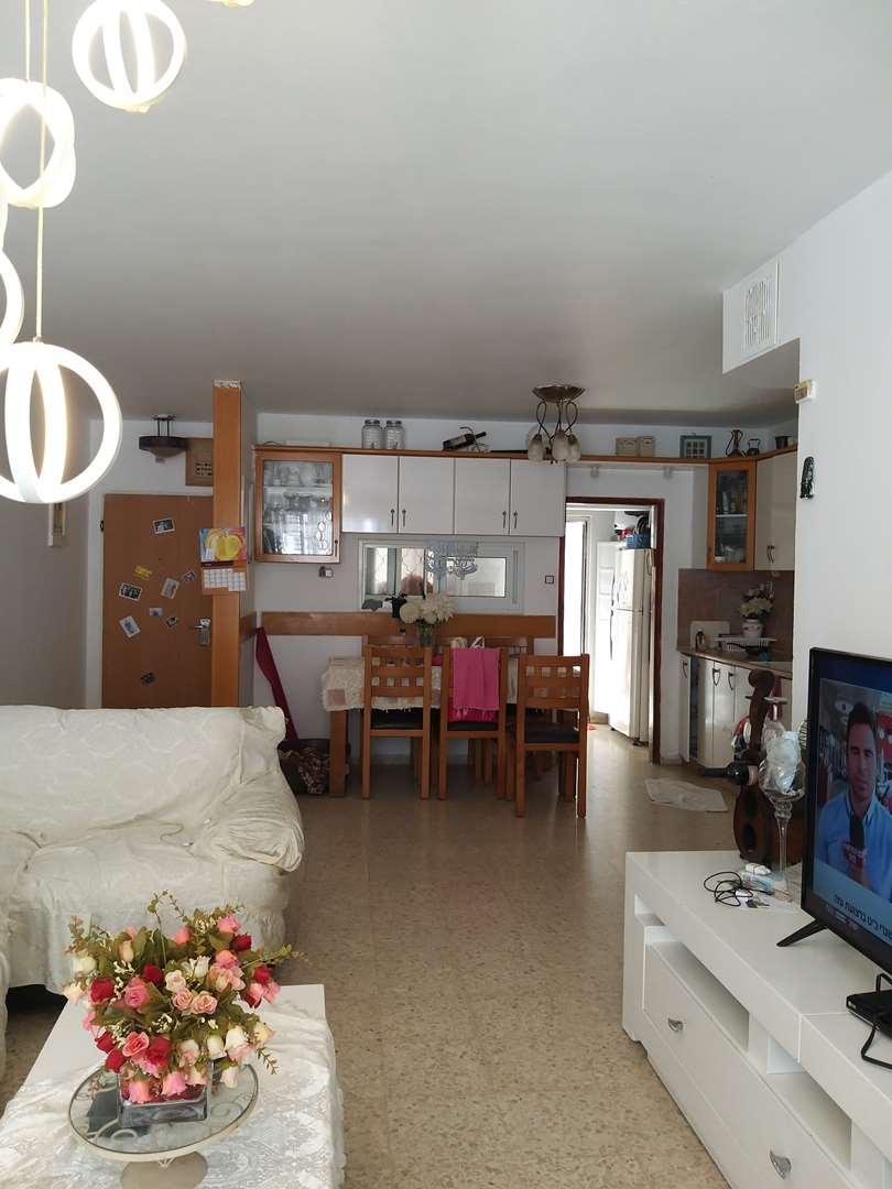 דירת גן להשכרה 4 חדרים באשקלון קרן היסוד