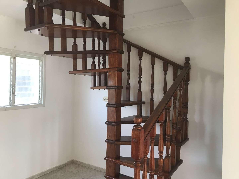 דופלקס להשכרה 4.5 חדרים באזור דרך בן גוריון