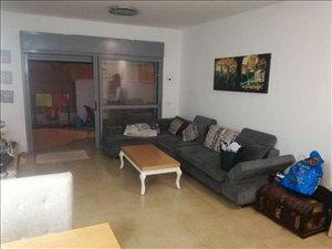 דירת גן להשכרה 4 חדרים בצורן יצחק  רבין