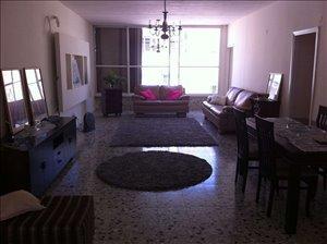 דירה להשכרה 4 חדרים ברעננה בורוכוב