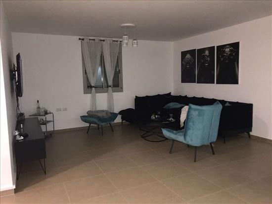 דירה להשכרה 4 חדרים בטירת כרמל האגמית