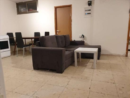 יחידת דיור להשכרה 3 חדרים בגבעת שמואל שלמה בן יוסף 8