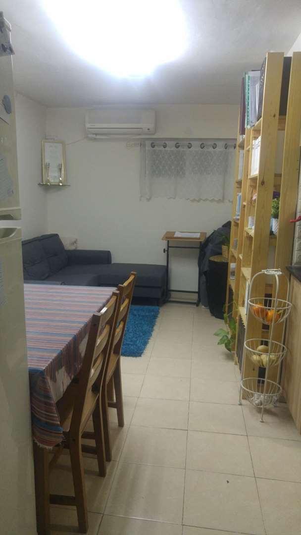 דירת סטודיו להשכרה 1.5 חדרים בירושלים  הברון הירש קרית משה