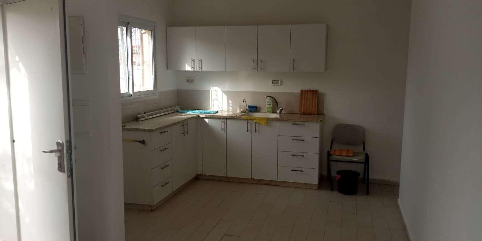 דירת גן להשכרה 2 חדרים באשקלון הרב רחמים בוקרה
