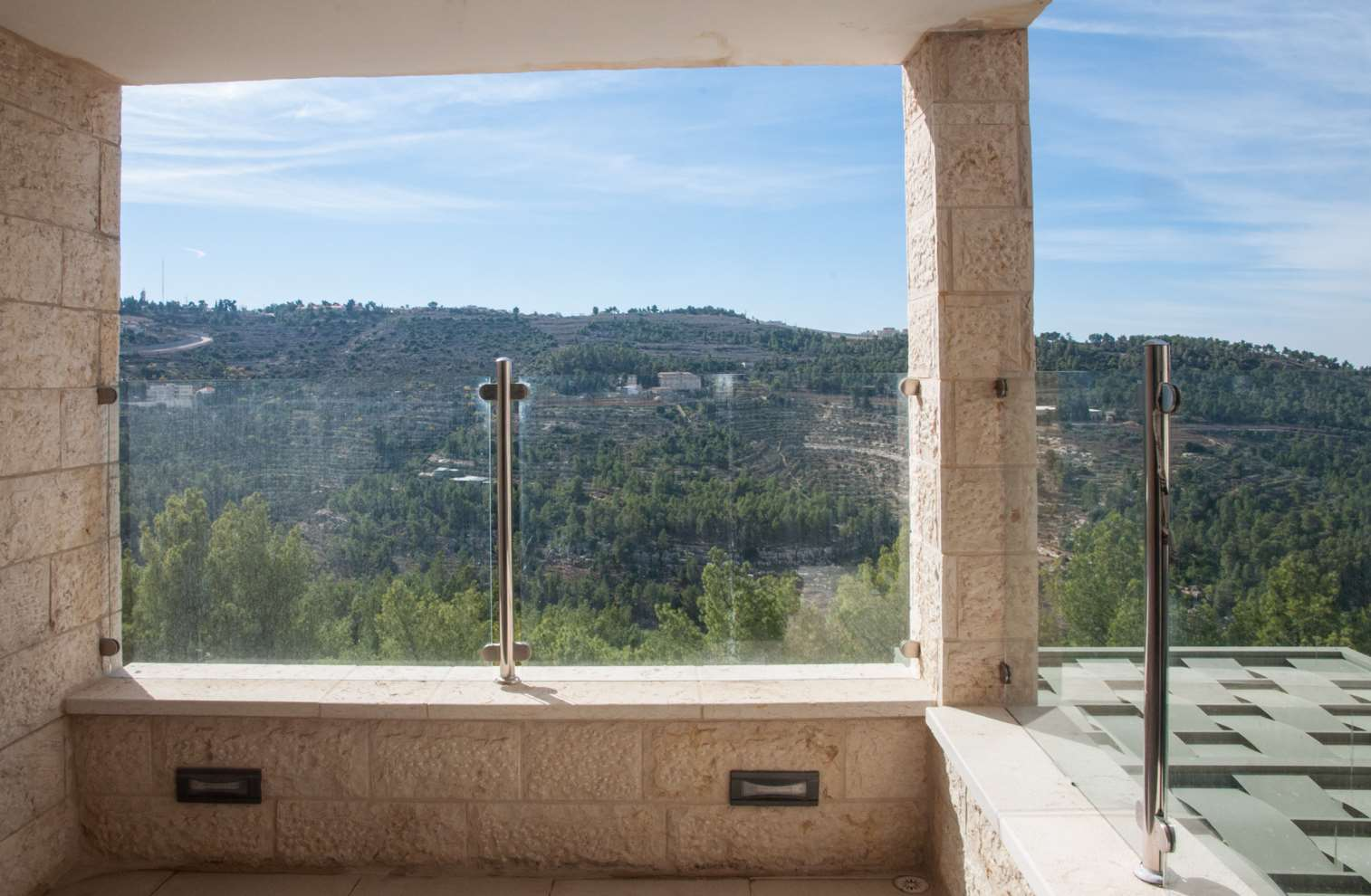 דירה להשכרה 5 חדרים בירושלים מרווה גילה