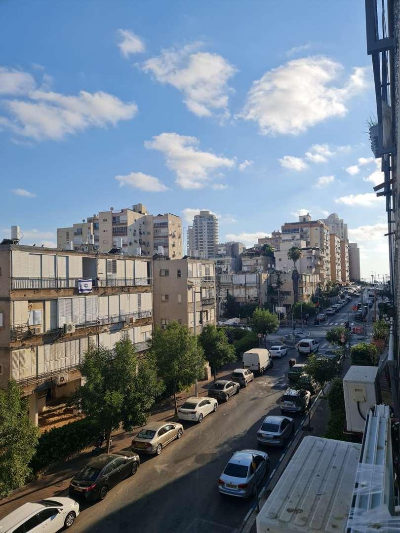 דירה להשכרה 3 חדרים בבת ים ז'בוטינסקי יוספטל\עצמאות