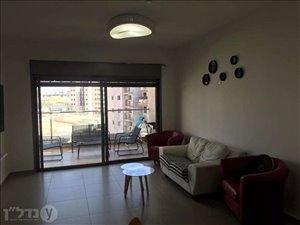דירת גג להשכרה 4 חדרים בחריש טופז 32