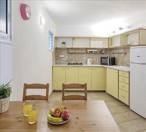דירה להשכרה 2 חדרים בלב העיר טשרניחובסקי