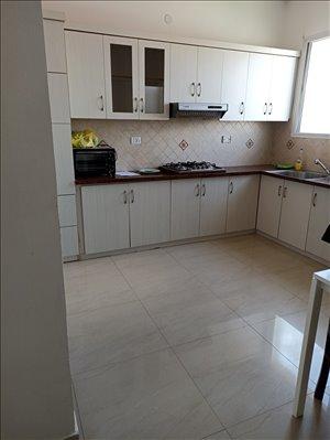 דירה להשכרה 3 חדרים בחדרה ירושלים