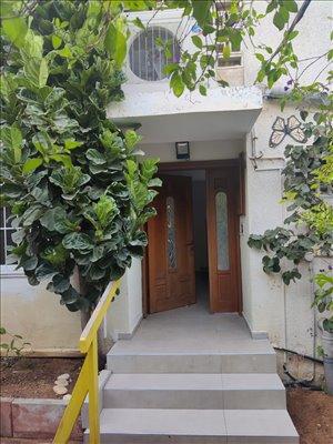 קוטג להשכרה 4.5 חדרים בהרצליה האגוז