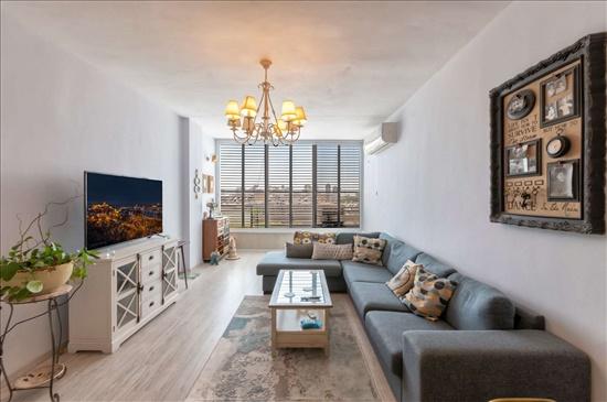 דירה להשכרה 3 חדרים בבת ים הזית  ניצנה
