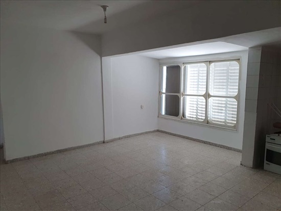 דירה להשכרה 4.5 חדרים באור יהודה סיני מרכז