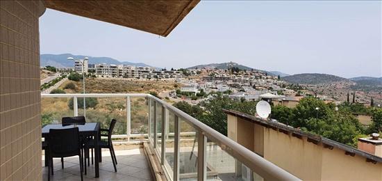 פנטהאוז להשכרה 4 חדרים בכרמיאל משעול שקנאי גבעת מכוש