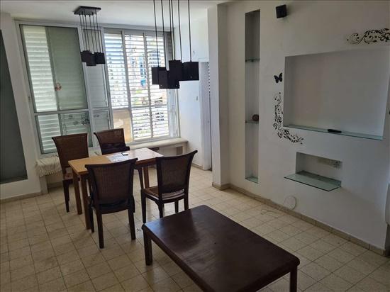 דירה להשכרה 3 חדרים בבת ים כצנלסון לב העיר