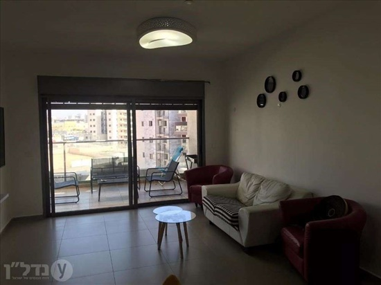 דירת גג להשכרה 4 חדרים בחריש טופז 32 אבני חן