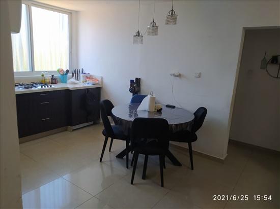 דירה להשכרה 4 חדרים בחולון אילת