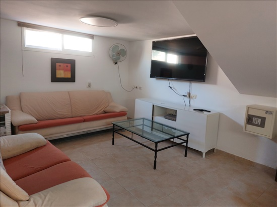יחידת דיור להשכרה 2 חדרים בגני תקווה סמטת כינרת שכונה