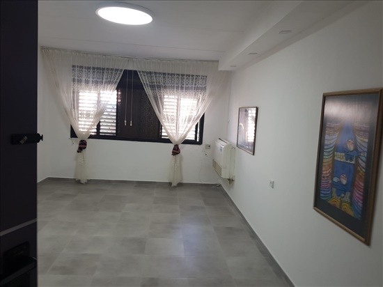 דירה להשכרה 3 חדרים בטירת כרמל אצ''ל 49