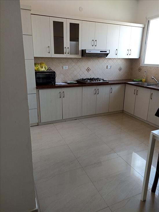 דירה להשכרה 3 חדרים בחדרה ירושלים נווה עובד